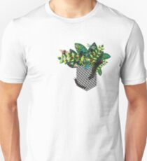 Outside the box (insect) T-Shirt