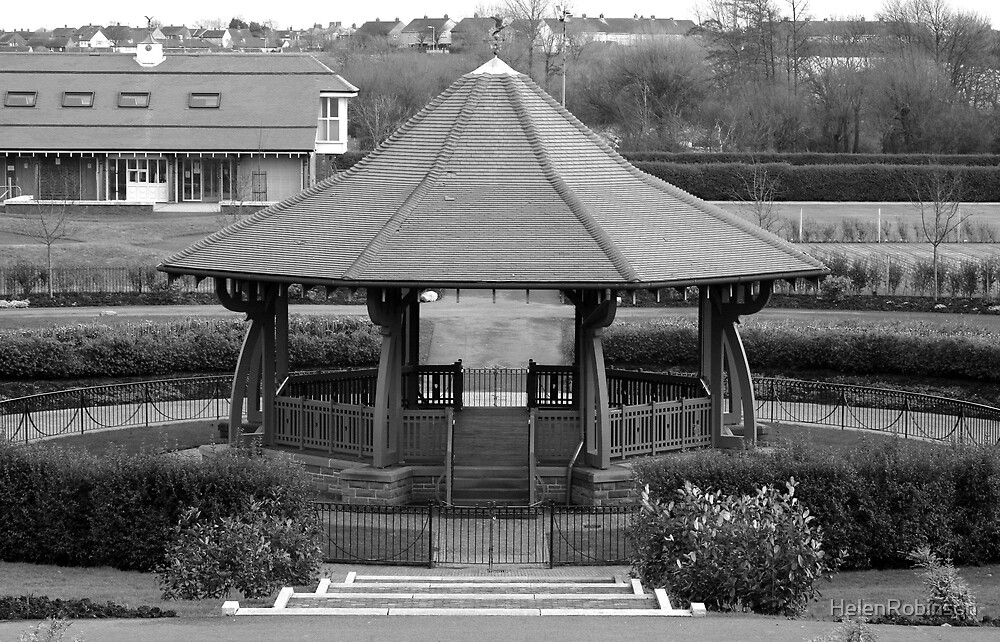 Bandstand by HelenRobinson
