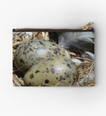 A Closer Look At The Nest - Gull Nest - NZ Studio Pouch