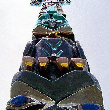 Totem Pole by birdinsun