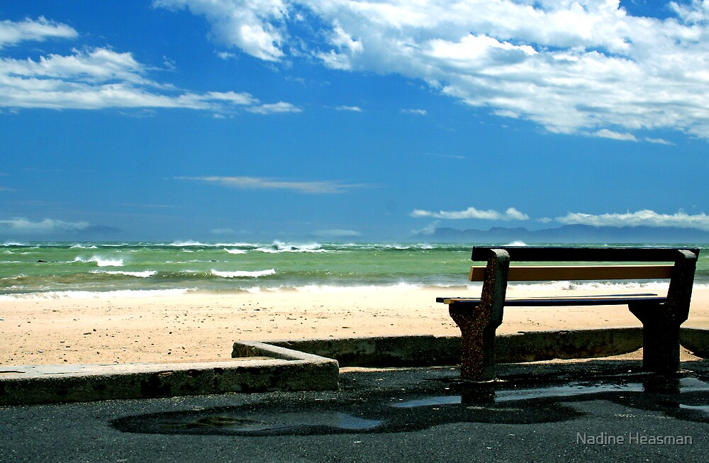 Lonely bench by Nadine Heasman