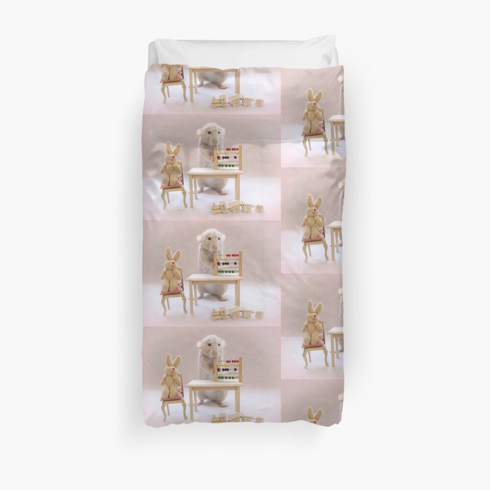 Poppy learning to count! Duvet Cover
