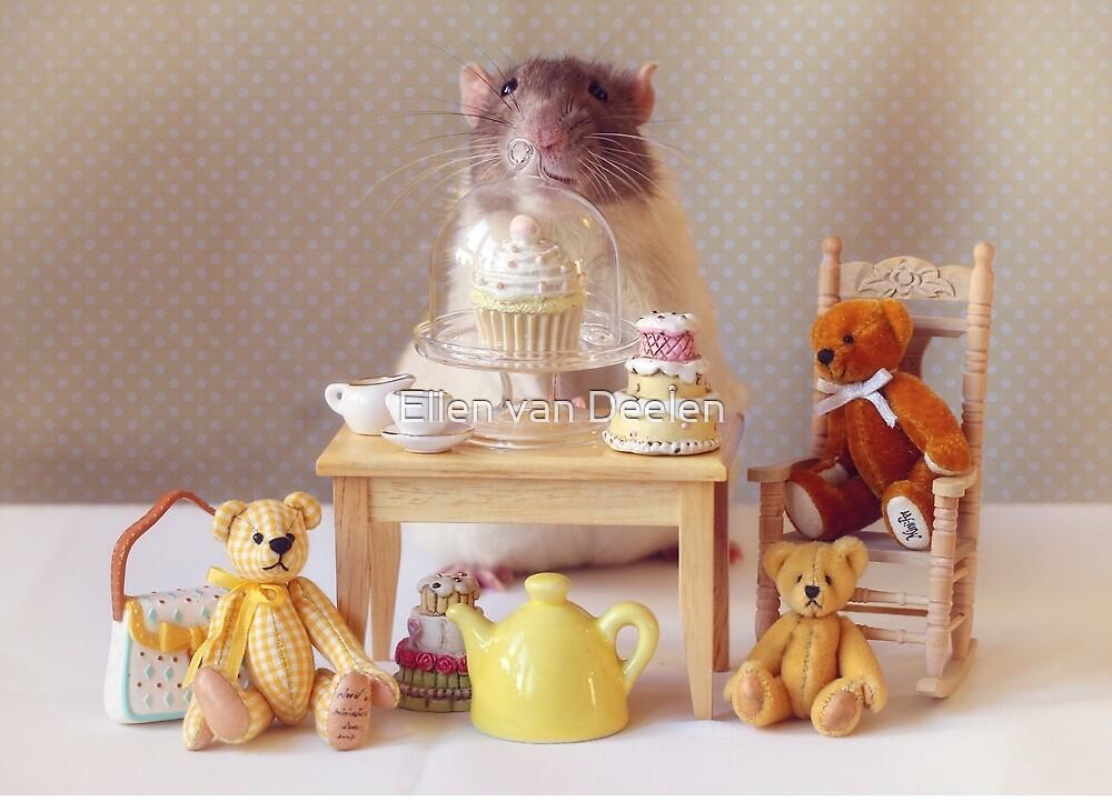 Snoozy having a Tea Party by Ellen van Deelen