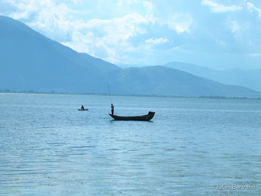 Yunnan Dali lake by Julien Bertrand