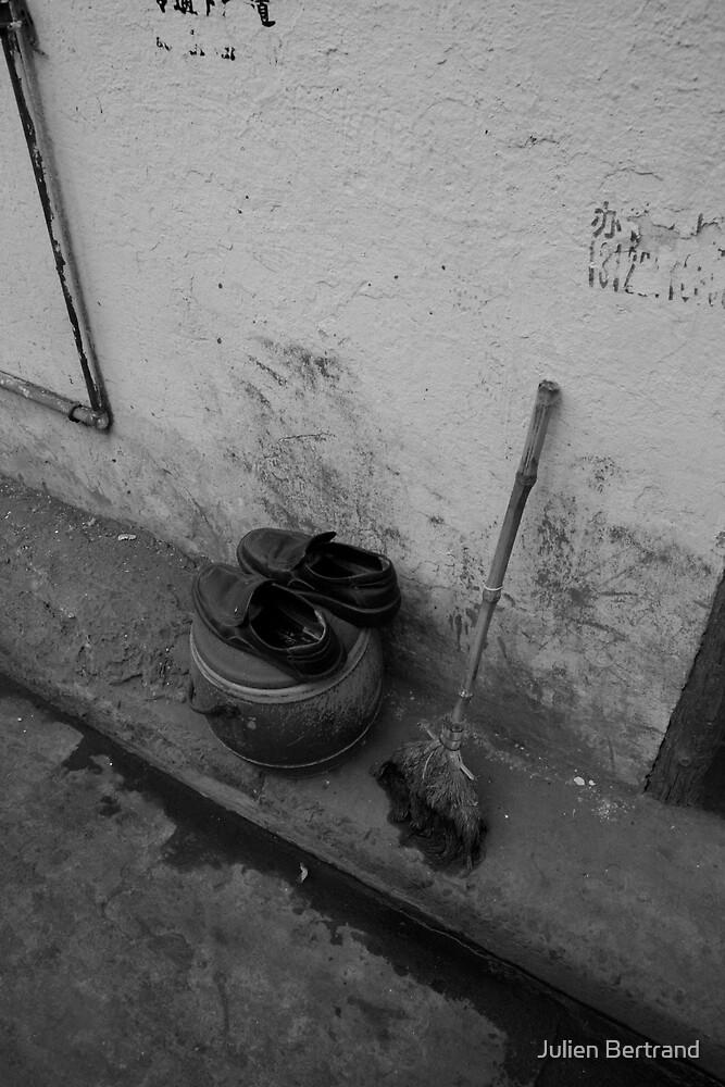 Street inanimates by Julien Bertrand