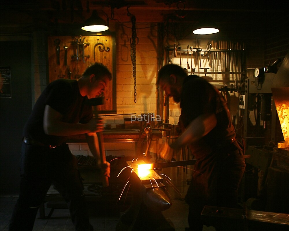 Pounding & Shaping The Blade by patjila