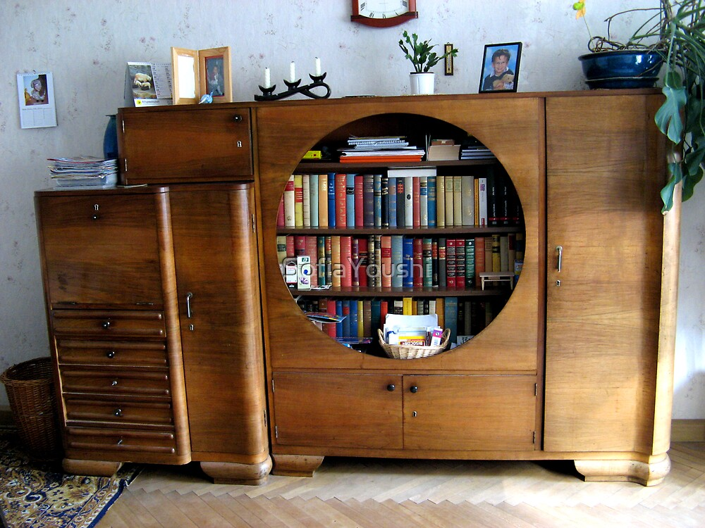 CLOSET OLD LIVING ROOM by SofiaYoushi