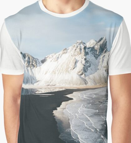 Iceland beach at sunset - Landscape Photography Graphic T-Shirt