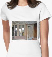 A Nice Recliner Women's Fitted T-Shirt