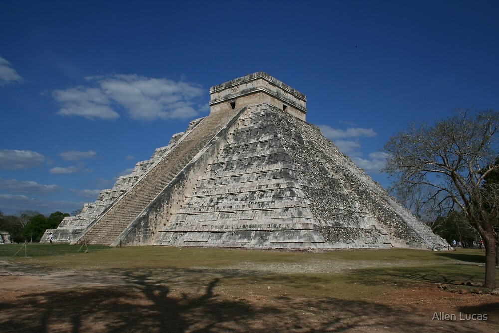 Chichen Itza Pyramid by Allen Lucas