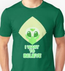 I want to believe (Version 1 with text) Unisex T-Shirt