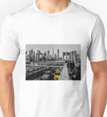 NYC Brooklyn Bridge - Yellow Taxi Skyline Unisex T-Shirt