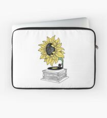Singing in the sun Laptop Sleeve