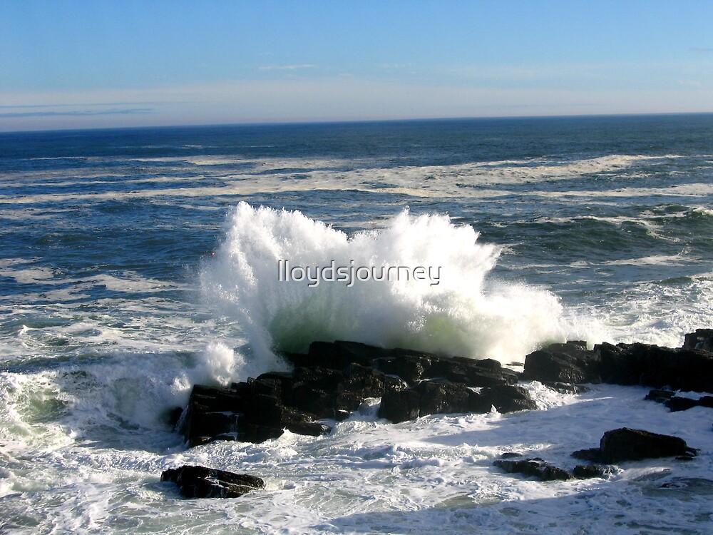 Exploding Wave by lloydsjourney