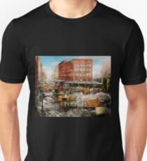 City - New York NY - Stuck in a rut 1920 T-Shirt