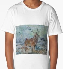 Highland red deer / stag in winter landscape Long T-Shirt
