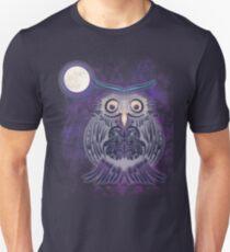 Búho noche de luna llena- Owl in a moonlight night  T-Shirt