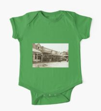 0314 Maldon Streetscape One Piece - Short Sleeve