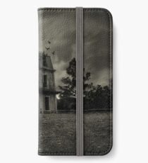 Psycho Bates house iPhone Wallet/Case/Skin