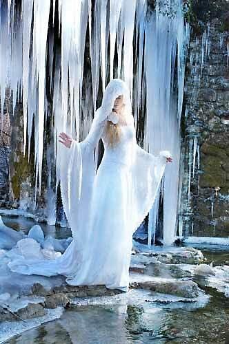 Angels under ice by fuzzyfriend1432