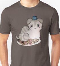 Cat on a dinner date Unisex T-Shirt