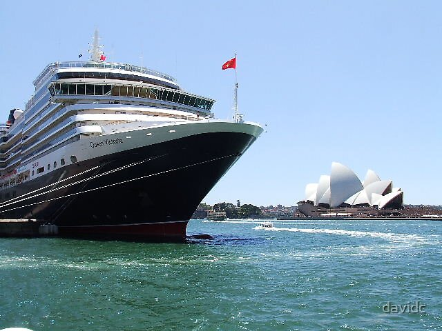 Queen Victoria meets the Sydney Opera House  by davidc