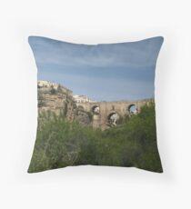 Puente Nuevo Ronda, España Throw Pillow