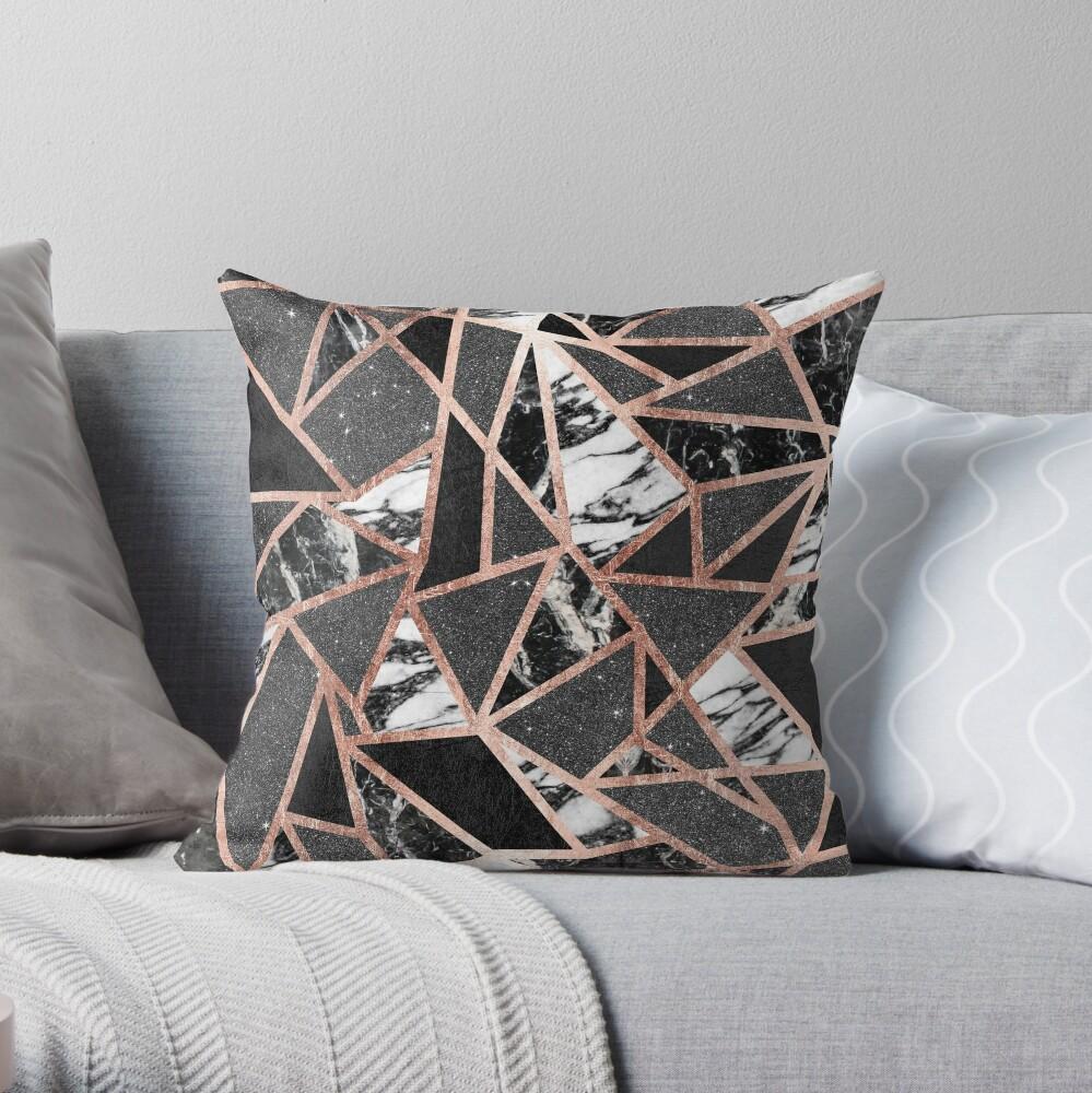 Triángulo geométrico moderno del mármol del brillo de Rose del oro Cojín