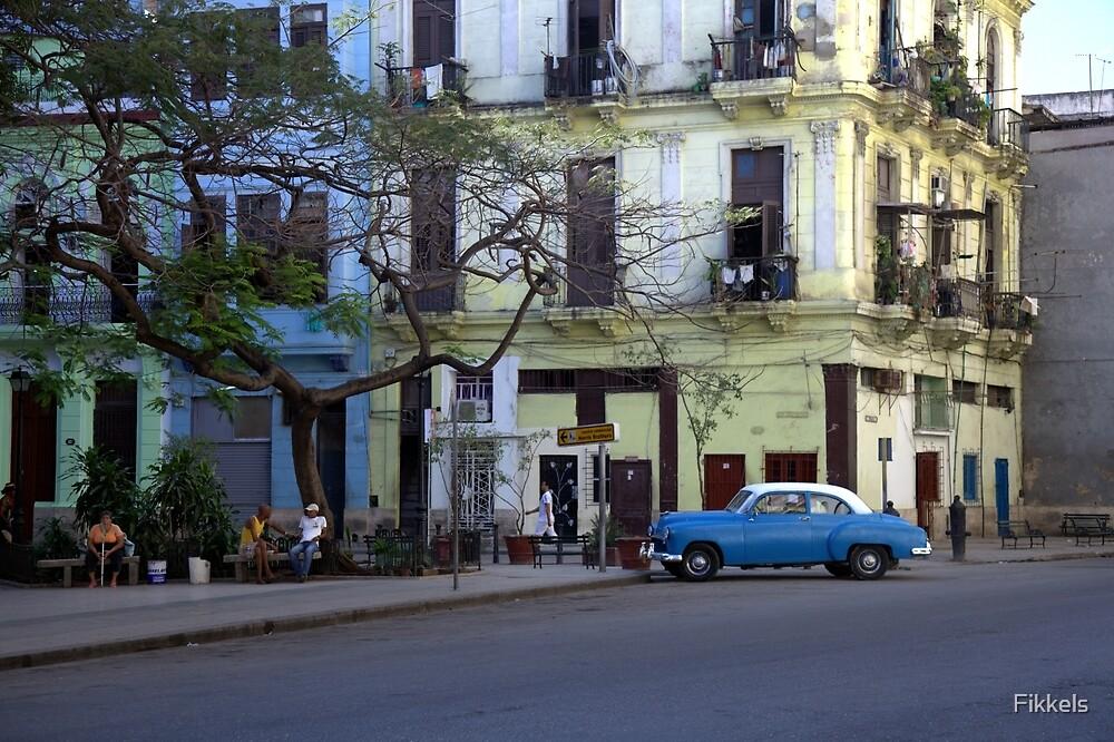 Classic car in old Havana by Fikkels