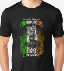 THE KING IS BACK Unisex T-Shirt
