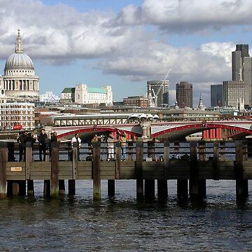 Thames Pier by frankmedrano