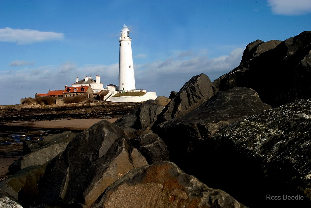 St Mary's lighthouse  by Ross Beedle