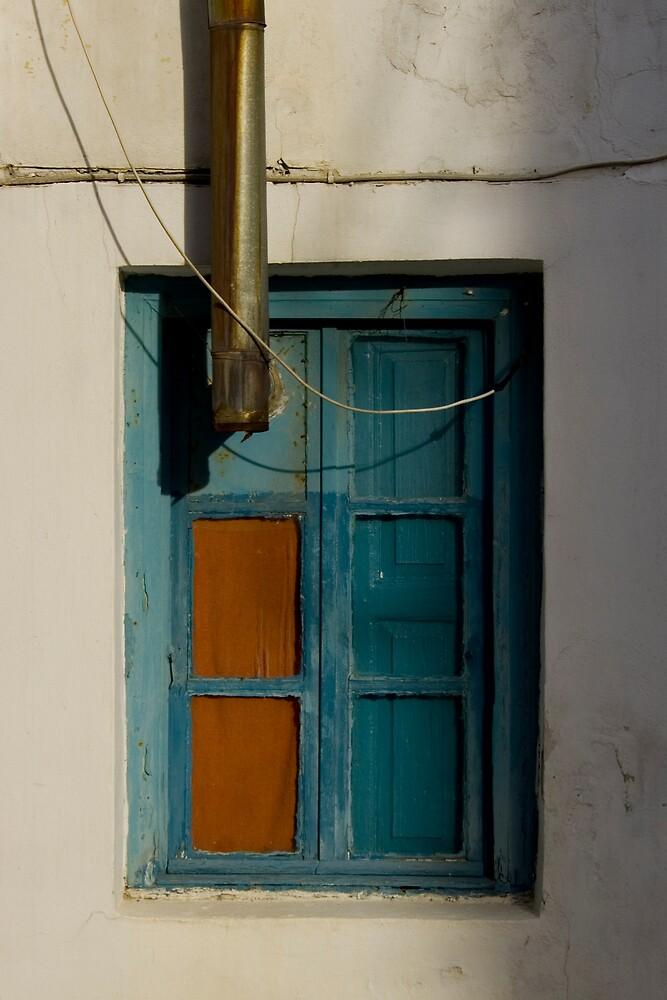 Blue window by kevomanno