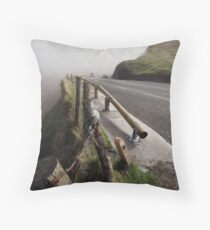 I can hardly see myself Throw Pillow