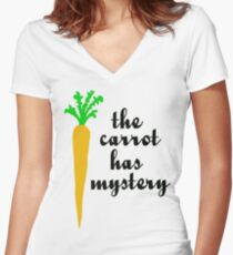The carrot has mystery Women's Fitted V-Neck T-Shirt