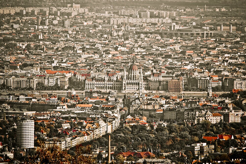 Budapest by Csaba Jekkel