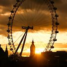 Framing the Sunset in London - the London Eye and Big Ben  by Georgia Mizuleva