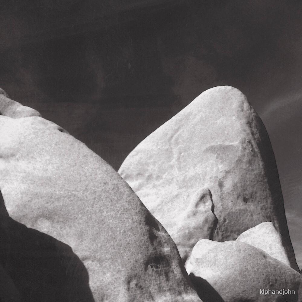 Black & White Rocks by klphandjohn