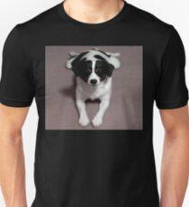 MUM AND DAD'S BOY SPIKEY Unisex T-Shirt