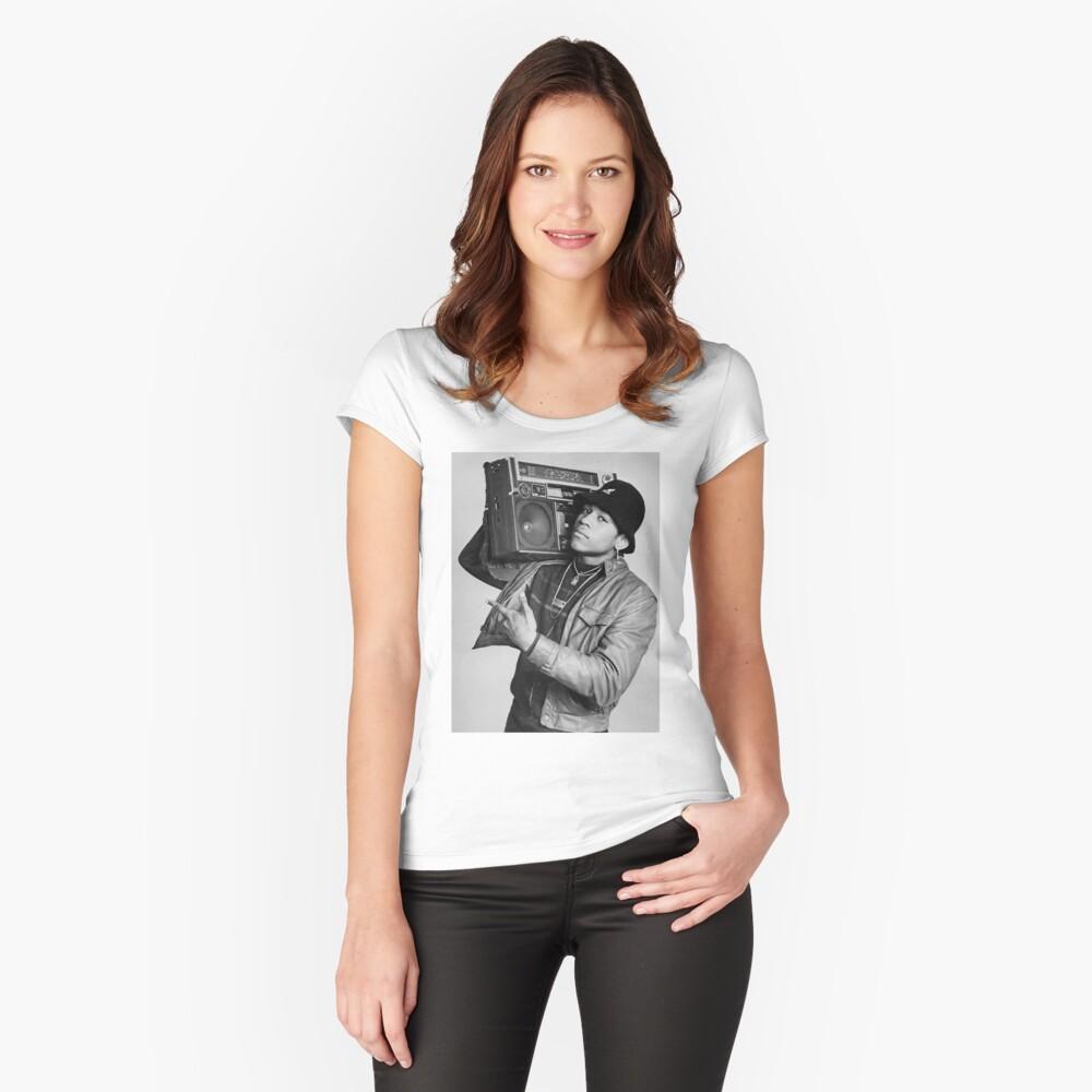 LL Tailliertes Rundhals-Shirt