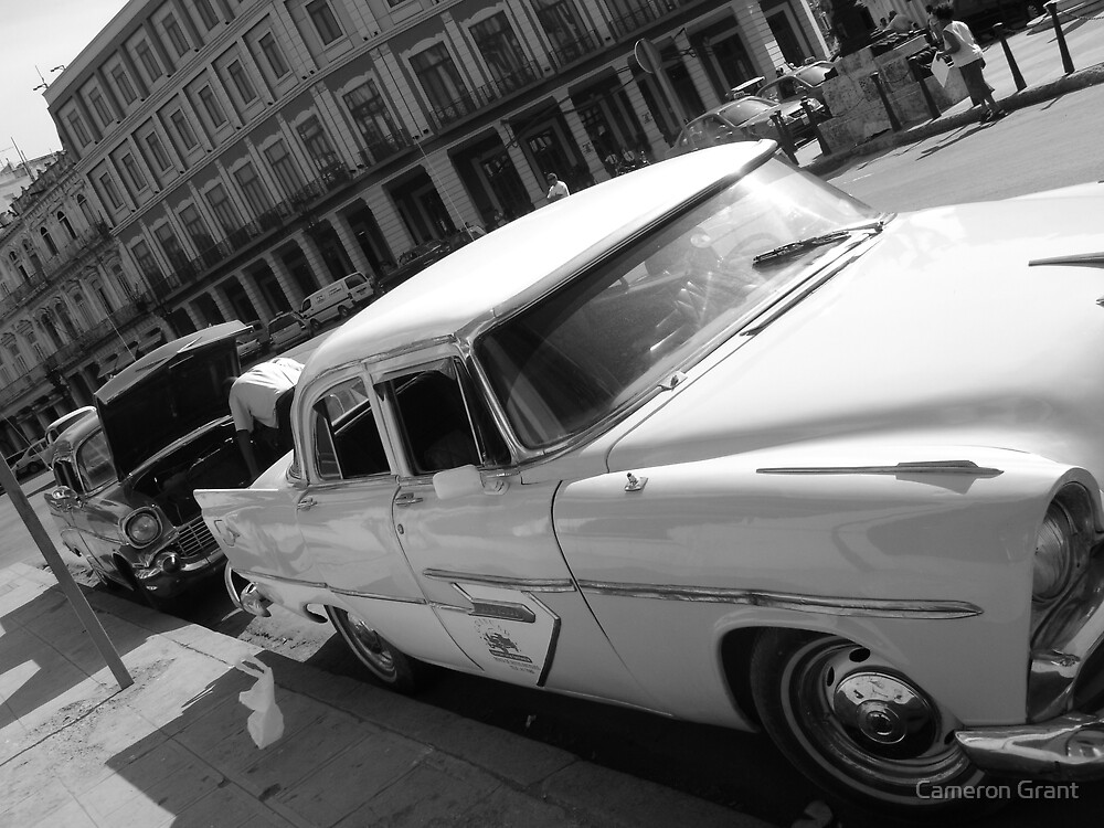 Cuban city life by Cameron Grant