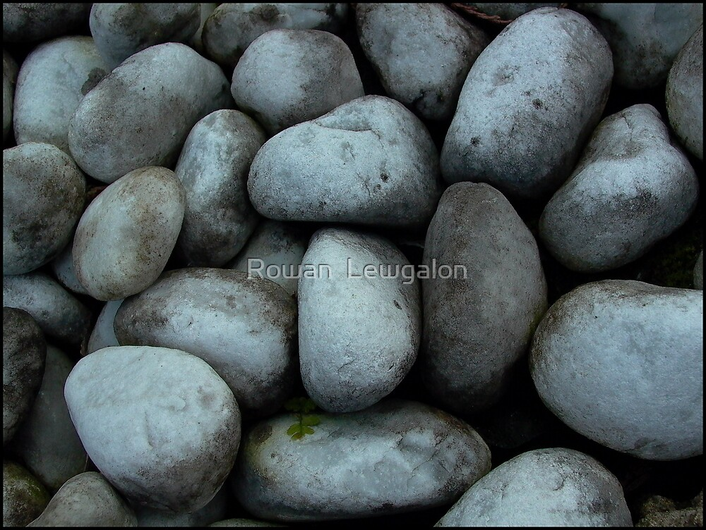 Stones by Rowan  Lewgalon