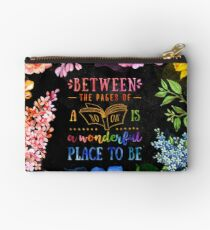 Between the pages Studio Pouch