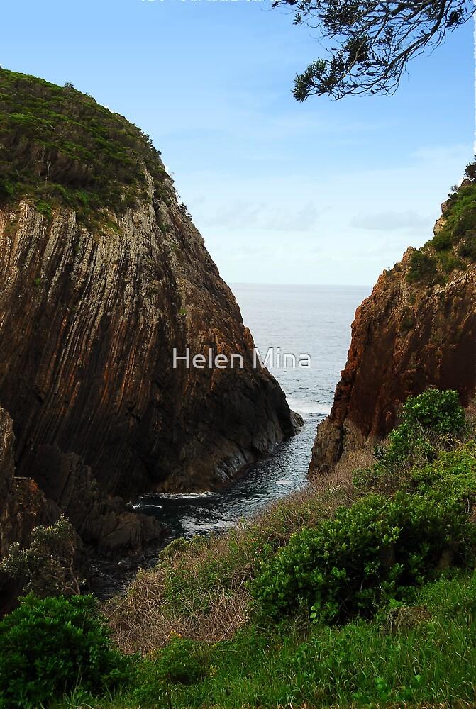 Rock Cliffs by Helen Mina