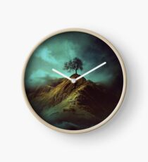 Lonely tree Clock