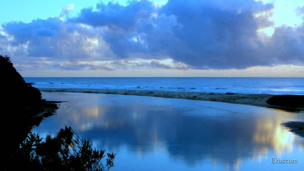 REFLECTION OF BLUE by Ekascam