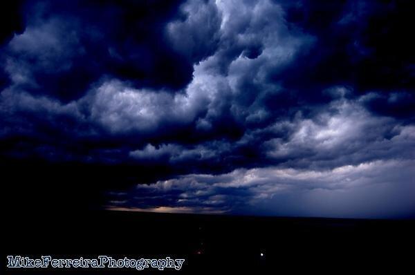 dark. by madmikef