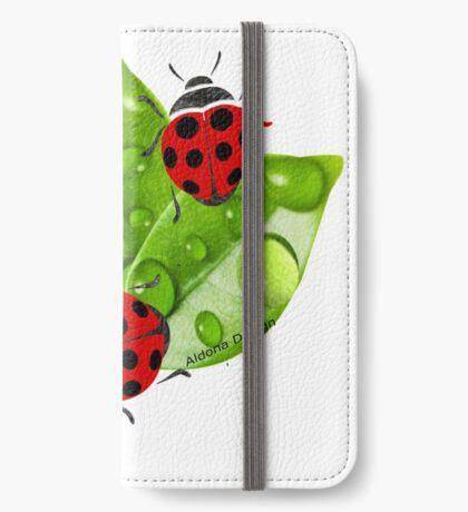 lady bug ( 3351  views) iPhone Wallet