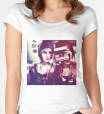 Chloe & Max - Life is Strange Women's Fitted Scoop T-Shirt