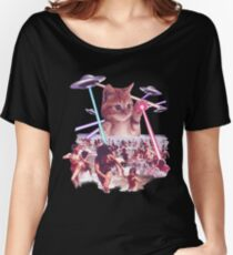 Funny & Cute Cat invader from space Beach Attack UFO & lasers Galaxy Universe Women's Relaxed Fit T-Shirt